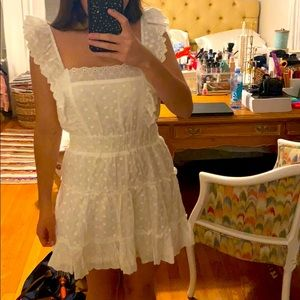 WHITE LULUS RUFFLE SLEVE DRESS